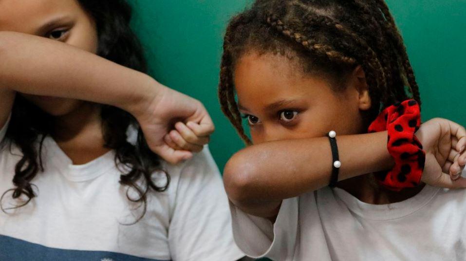 Pandemia piora saúde mental de crianças vulneráveis, diz estudo