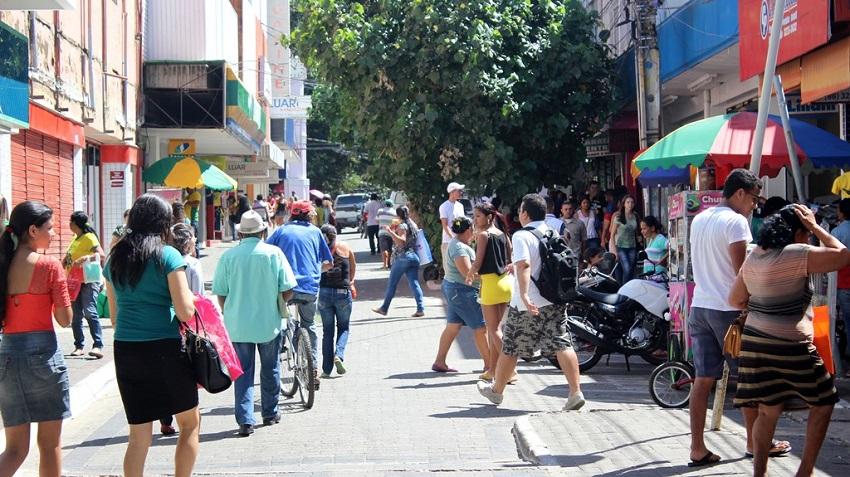 Comércio e shoppings fecham nesta segunda(26), Dia do comerciário, coletivos têm esquema especial
