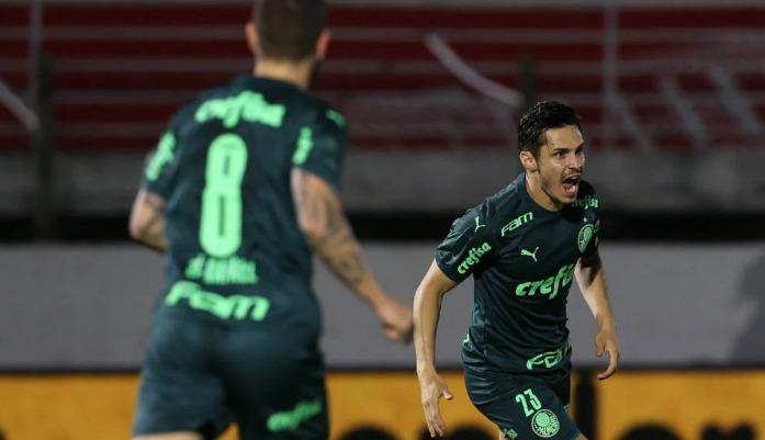 Fora de casa, Palmeiras vence Bragantino por 3 a 1 na Copa do Brasil