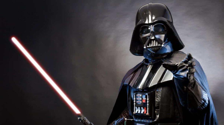 David Prowse, ator de Darth Vader, morre de Covid-19 aos 85 anos