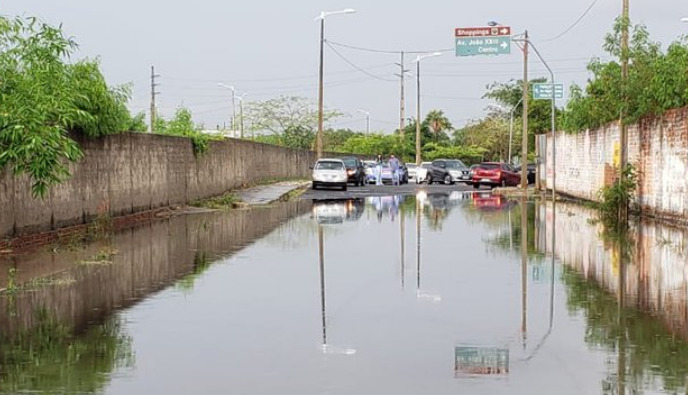Após chuva desta terça(03) estragos em Teresina com avenidas e bairros alagados e sem energia