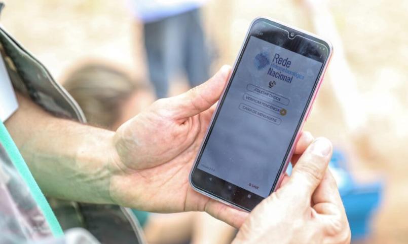 Hoje é dia: chegada do celular no Brasil completa 30 anos