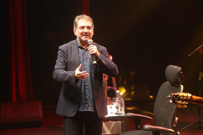 João Cláudio Moreno fecha a noite de quinta-feira(28) com uma super Live comemorativa dos 30 anos. Veja a galeria de fotos aqui.