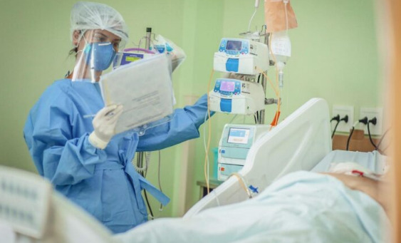 Pandemia pode manter níveis críticos ao longo de abril, diz Fiocruz