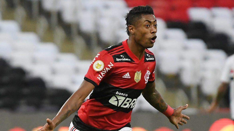 O Flamengo goleou o São Paulo por 5 a 1, no Maracanã, já é sexto