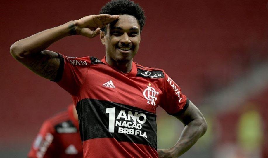 Flamengo com um a menos por expulsão, vence por o Grêmio 4×0 e abre vantagem nas quartas da Copa do Brasil