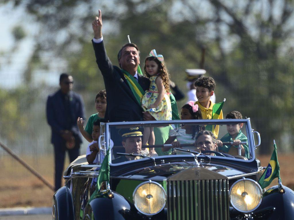 Juristas falam em crime de responsabilidade em discurso de Bolsonaro ao não cumprir decisões de ministro do STF
